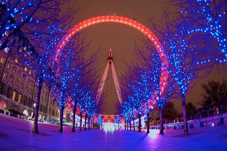 cheap flights for Christmas-in-London 3 london eye