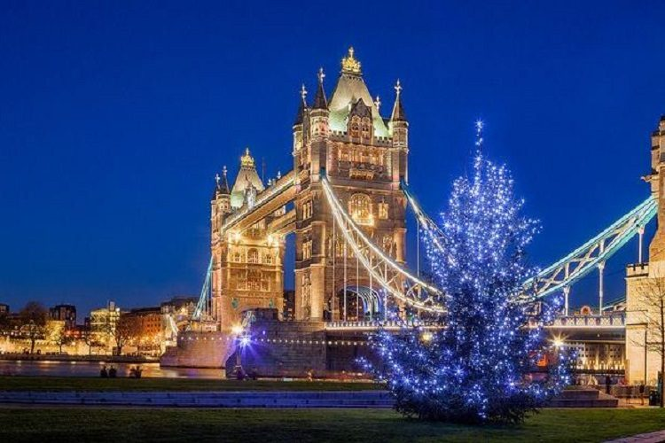 cheap flights for Christmas-in-London