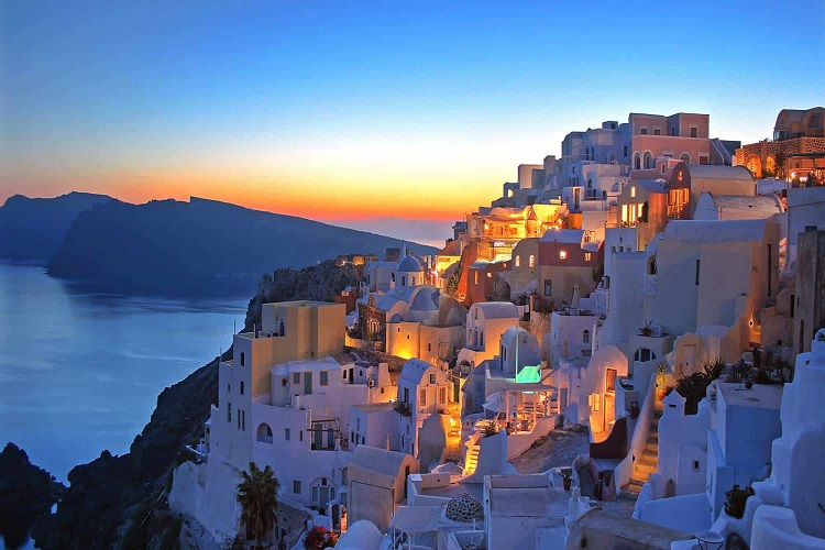 cheap flights to santorini at night