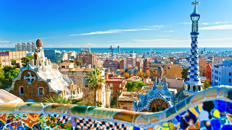 cheap flights to barcelona to see Parc-Guell