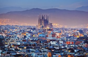cheap flights to barcelona to see Sagrada familia