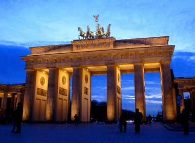 visit berlin brandenburg gate
