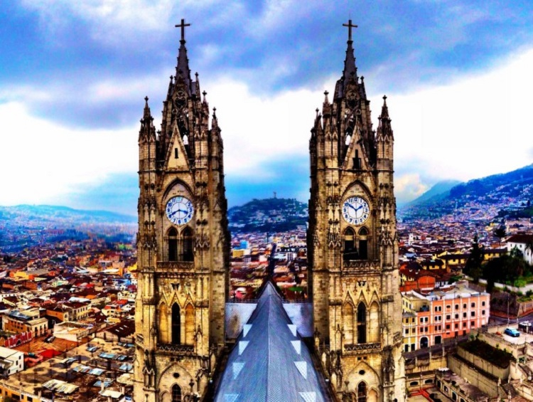 cheap flights to Quito-Ecuador