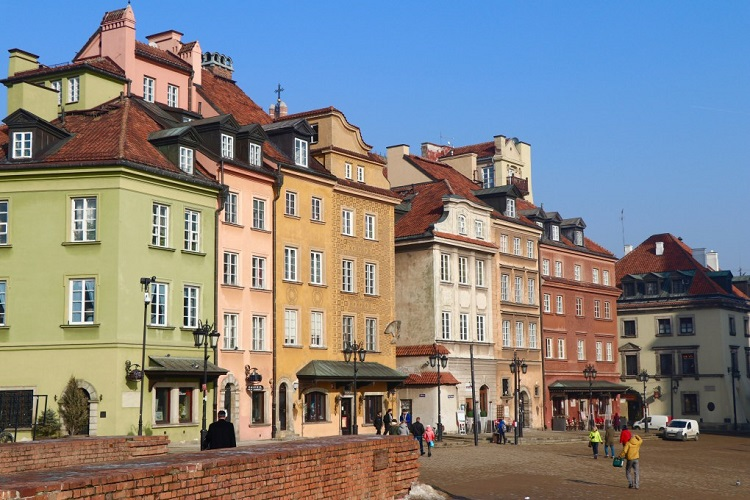 cheap flights to Warsaw-Poland-