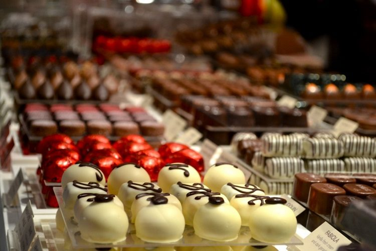 cheap flights to Brussels-Belgium-to see chocolate 2