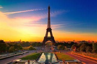 cheap flights to Paris-France Eiffel-Tower-040917-002cheap flights to Paris-France Eiffel-Tower-040917-002