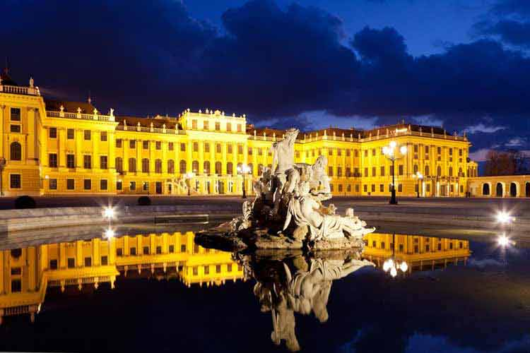 visit-Vienna-Schonbrunn-Palace-3